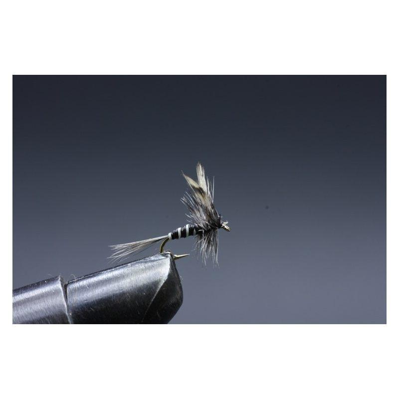 Hyttynen Koko 18