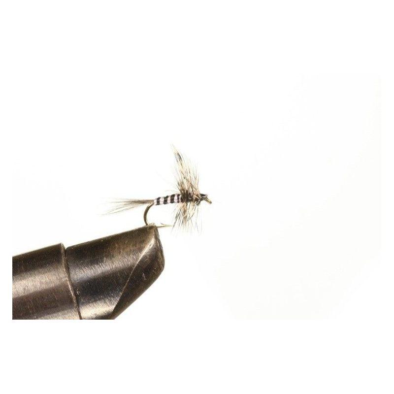 Hyttynen Koko 16